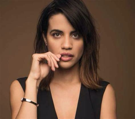 latina actresses under 30 2018 bff to honor actor natalie morales with see it be it