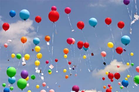 wallpaper cantik balon lucunya balon terbang mainan untuk anak anak