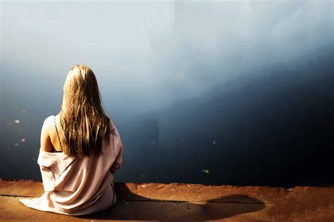 wallpaper lonely girl sitting alone sad girl images sad girls crying sitting alone wallpapers