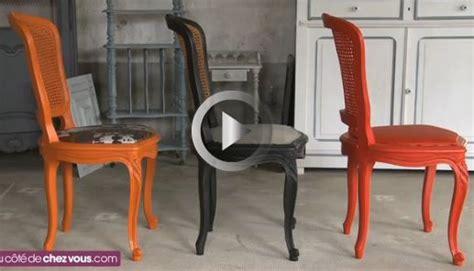 comment tapisser une chaise relooker une chaise cann 233 e en rempla 231 ant le cannage par