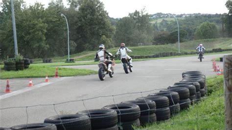 Verkehrs Bungsplatz Motorrad D Sseldorf super moto training auf dem verkehrs 252 bungsplatz bei