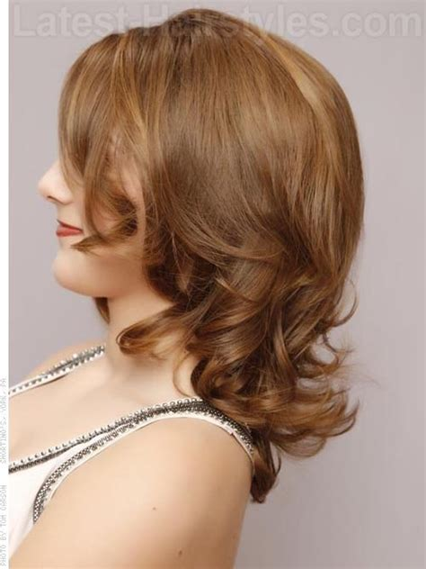 face framing layers medium wavy hair tapered curls face framing layers honey colored brown