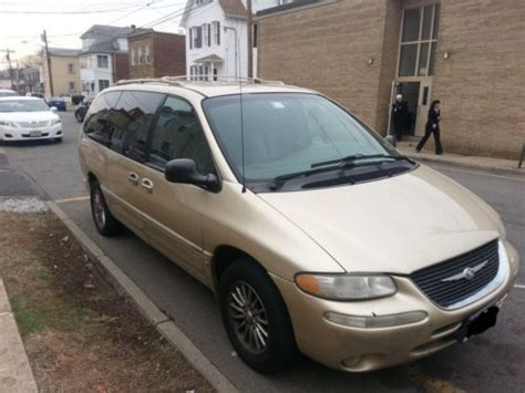 buy used 2000 chrysler town and country limited in little falls new jersey united states for