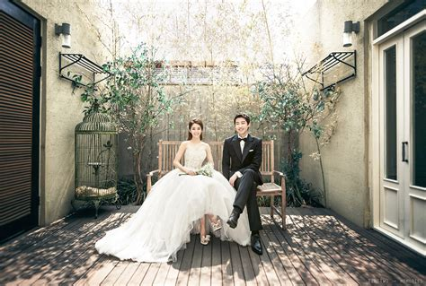Korean Wedding Photography ? Classy Studio Photoshoot by