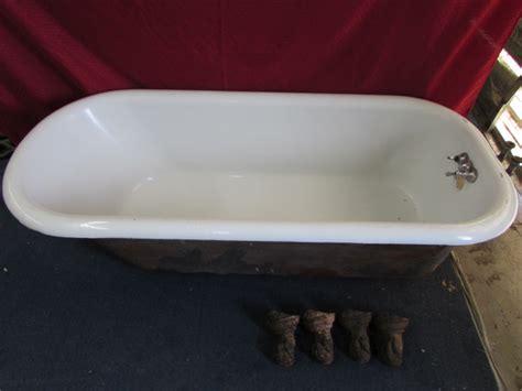 cast iron porcelain bathtub lot detail large cast iron porcelain enameled claw foot