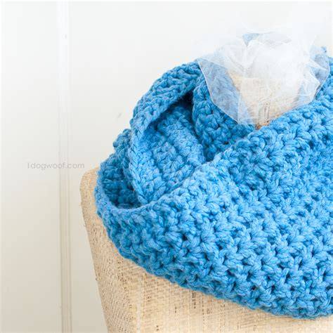 cozy wool appliqu 11 seasonal folk projects for your home books cozy infinity scarf one woof