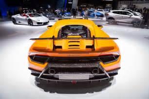 Lamborghini Fast Lamborghini Huracan Performante Looks Fast Sitting Still