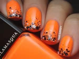 october nail color nail loopy illamasqua gamma chalk dust gradient