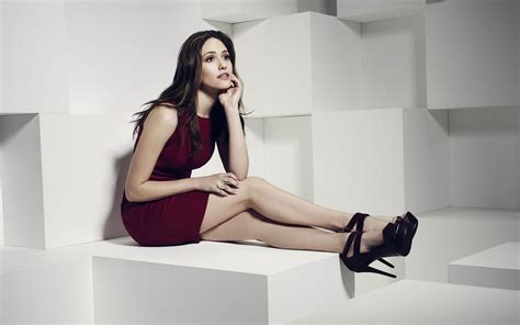emmy rossum high emmy rossum wallpapers images photos pictures backgrounds