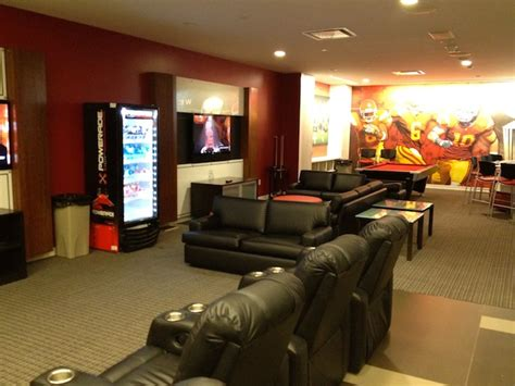 usc room usc football complete look at trojans new mckay