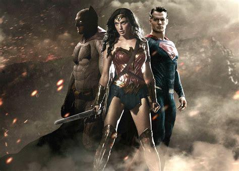Kaos Batman V Superman 1 Bv Seven 7 leadership lessons from batman v superman it solopreneurs