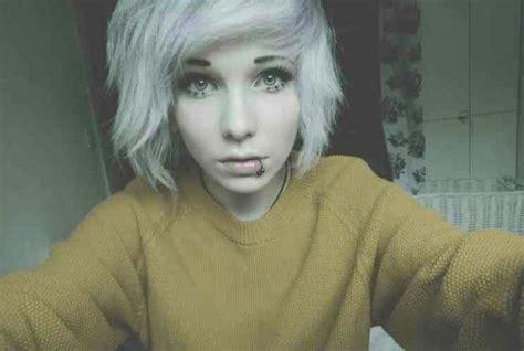 White Short emo scene hair. Hmmm maybe I'll get my hair