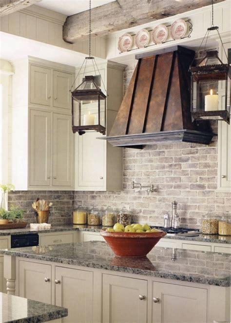best 100 farmhouse kitchen with brick backsplash ideas photos houzz freistehender k 252 chenblock l 228 sst die k 252 che attraktiver aussehen