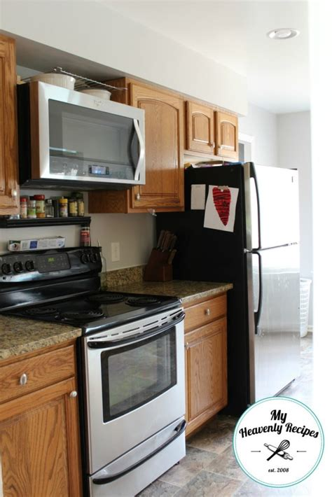 professional painting kitchen cabinets how to paint kitchen cabinets like a professional my