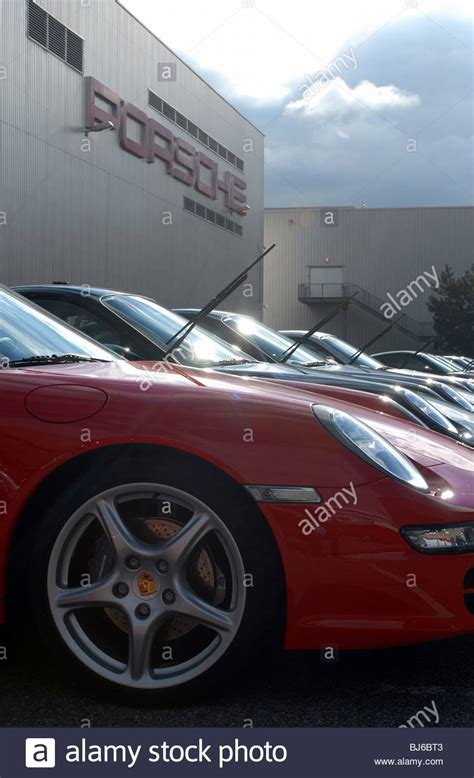 stuttgart porsche factory porsche factory in stuttgart germany stock photo