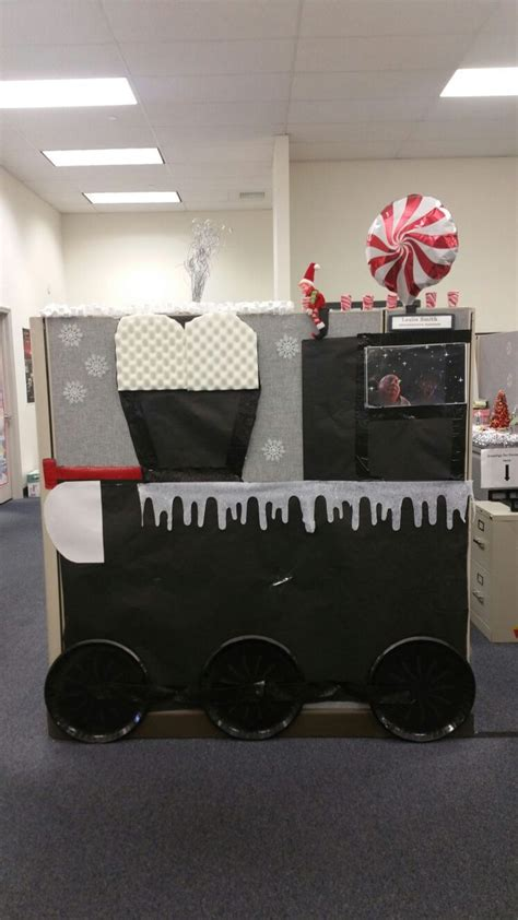 christmas decorating cubicles at work best 25 cubicle decorations ideas on office decorations office