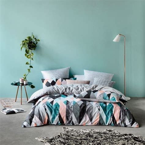 kissen pastell 30 timeless geometric and graphic bedding ideas digsdigs
