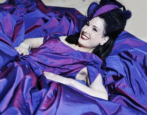 Or Fabulous Dita Teeses Purple Vivienne Westwood Wedding Dress by 41 Best Images About Dita Teese Wedding On