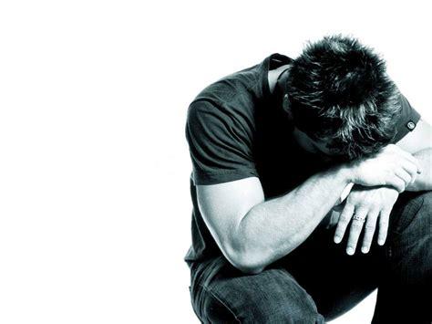 imagenes de hombres orando de rodillas hombre orando de rodillas personas orando de rodillas