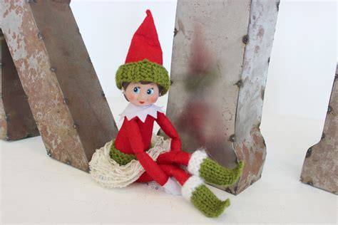 knitting pattern christmas elf elf greenoutfit studio knit