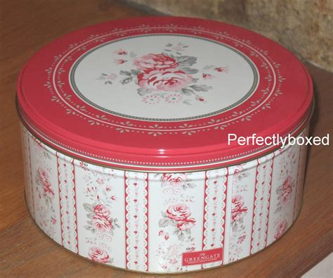 set of 3 novelty christmas cake tins vintage cake tins www perfectlyboxed