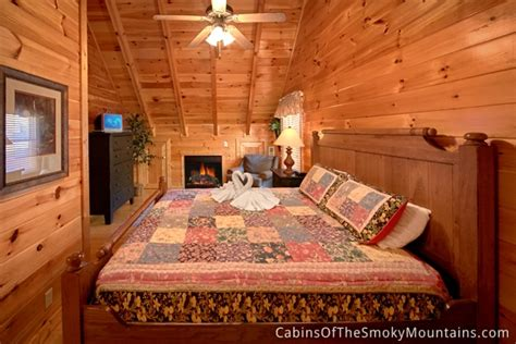12 bedroom cabins in tennessee pigeon forge cabin tennessee livin 4 bedroom sleeps