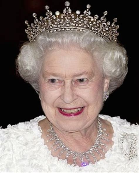 biography queen elizabeth 2 the queen s prime ministers biography
