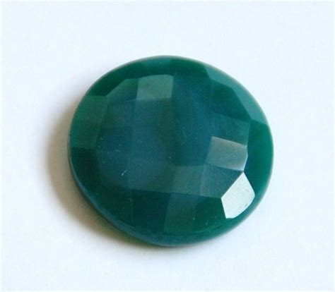 the meaning and healing properties of green onyx gemstone