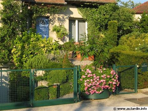 Ordinaire Creer Un Jardin Mediterraneen #1: amenagement-petit-jardin-600x450.jpg