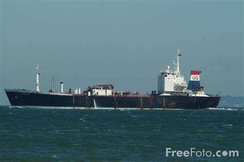 boat pictures solent cargo ship the solent southton pictures free use