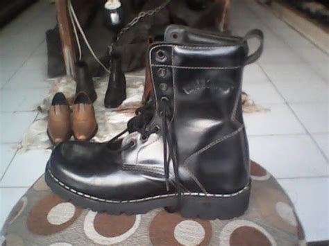 Sepatu Boots Rotelli gesunde shoes underground 1717