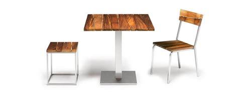 sedie in legno da esterno sedia da esterno in legno iroko e acciaio impilabile