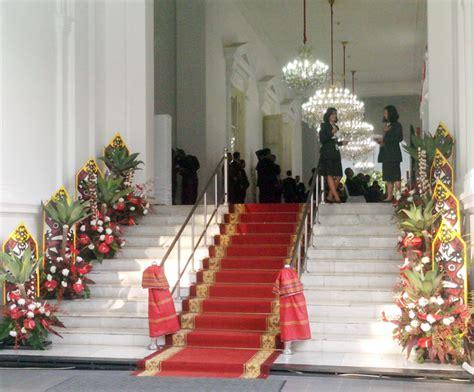 Prangko Seri Istimewa Istana Negara kalimantan di istana negara bebeja