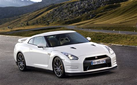 white nissan car wallpaper gallery of nissan gt r muscle car pictures