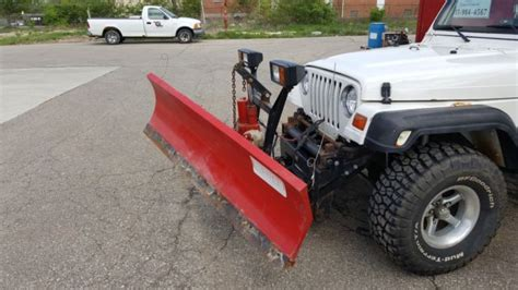 Snow Plow For Jeep Wrangler 1j4fy19s7wp723500 1998 Jeep Wrangler W Snowplow