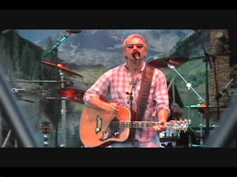 backyard song kevin costner modern west backyard song concert bass