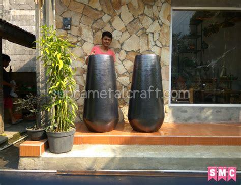 Kaki Guci Besi pusat supplier kerajinan tembaga kerajinan kuningan indonesia