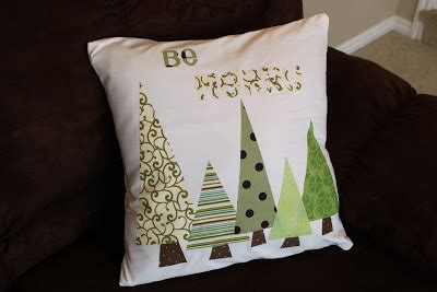 love these stuffed fabric christmas trees hopefully will silhouette cameo 101 fabric interfacing christmas tree