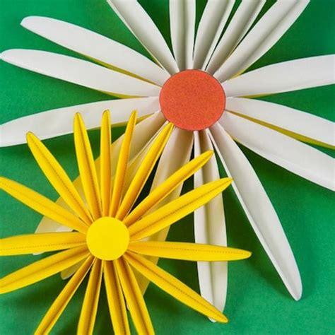 membuat kolase matahari cara membuat bunga matahari dari sedotan beserta gambarnya