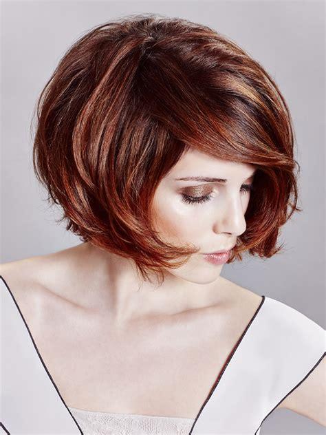 sexy bob frisur mit edlen linien und tiefer haarfarbe