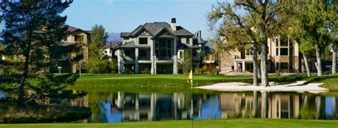 luxury golf course homes in denver offer advantages