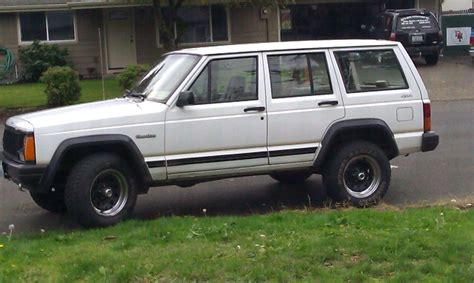 white xj club page  jeep cherokee forum