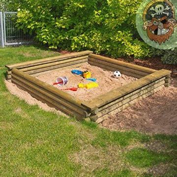 Gartenpirat Sandkasten eckiger sandkasten aus rundholz gartenpirat