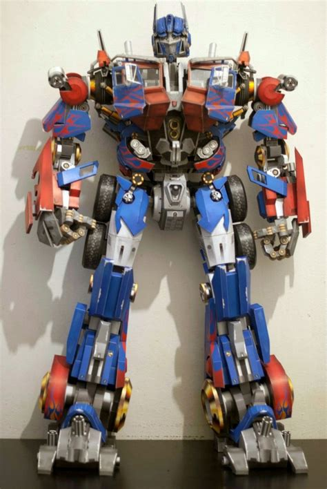 Papercraft Transformers Optimus Prime - optimus prime papercraft diy crafts