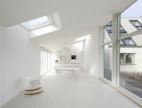 finestre a soffitto finestre sul tetto per illuminare la cucina mansarda it