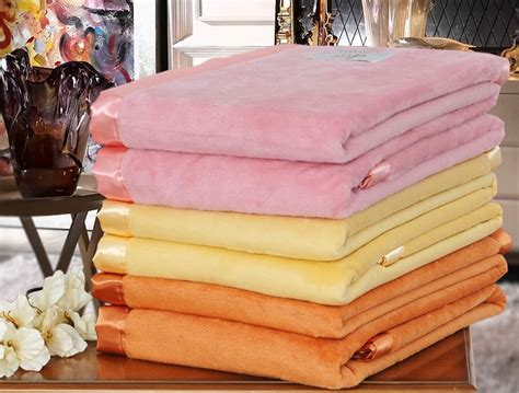 How To Wash A Silk Comforter by How To Wash Silk Blankets Machine Wash Wash