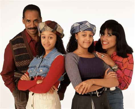 throwback photo of the day tia tamera with their see tia mowry tamera mowry and the rest of the sister
