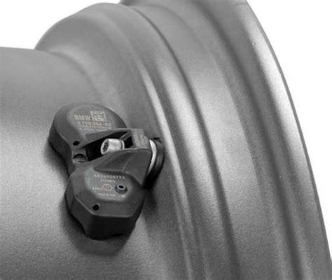 2011 volkswagen touareg tire pressure monitoring system sensor autopartskart com tpms fits volkswagen touareg 2011 13 oem tire pressure sensors set