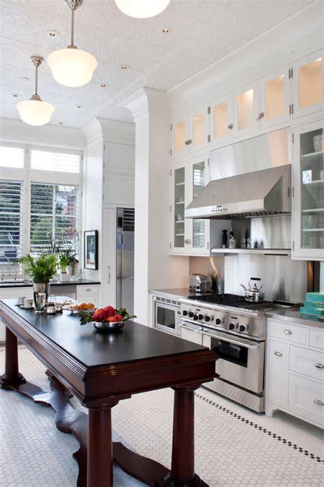 cuisine entr馥 facile un guide facile sur le sol de la cuisine bricobistro