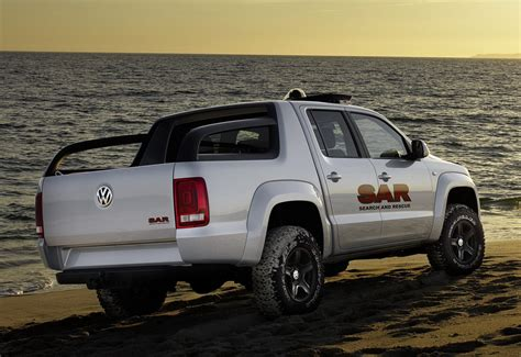 volkswagen truck concept vw concept pickup unveiled it s a preview of the 2010 vw